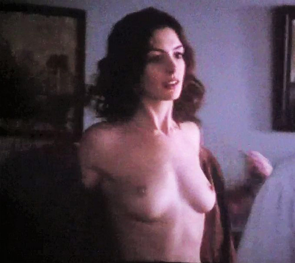 anne hathaway boobs