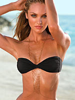 Candice Swanepoel looks curvy and sexy in bikini