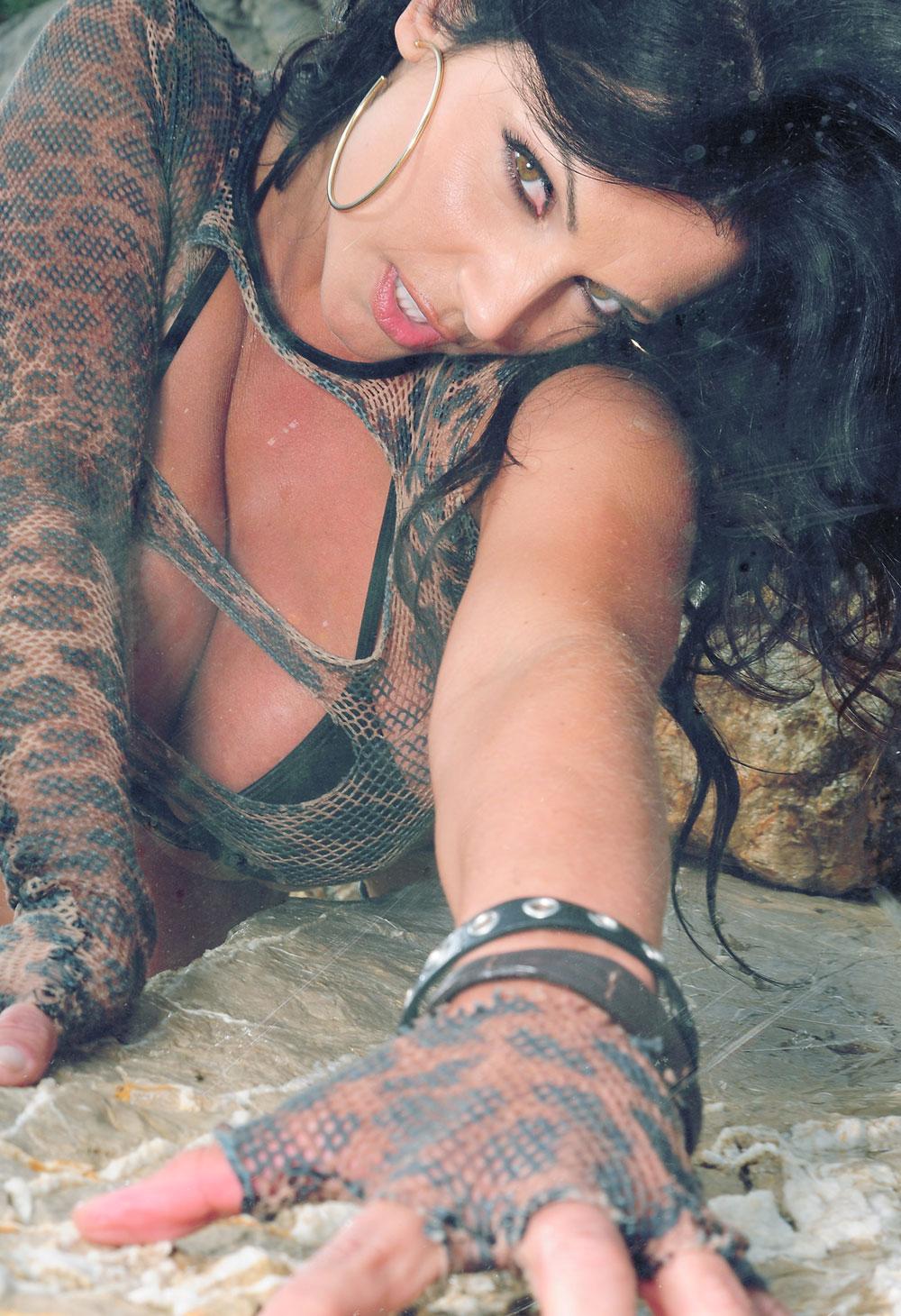 sexy nude umberella girls pics