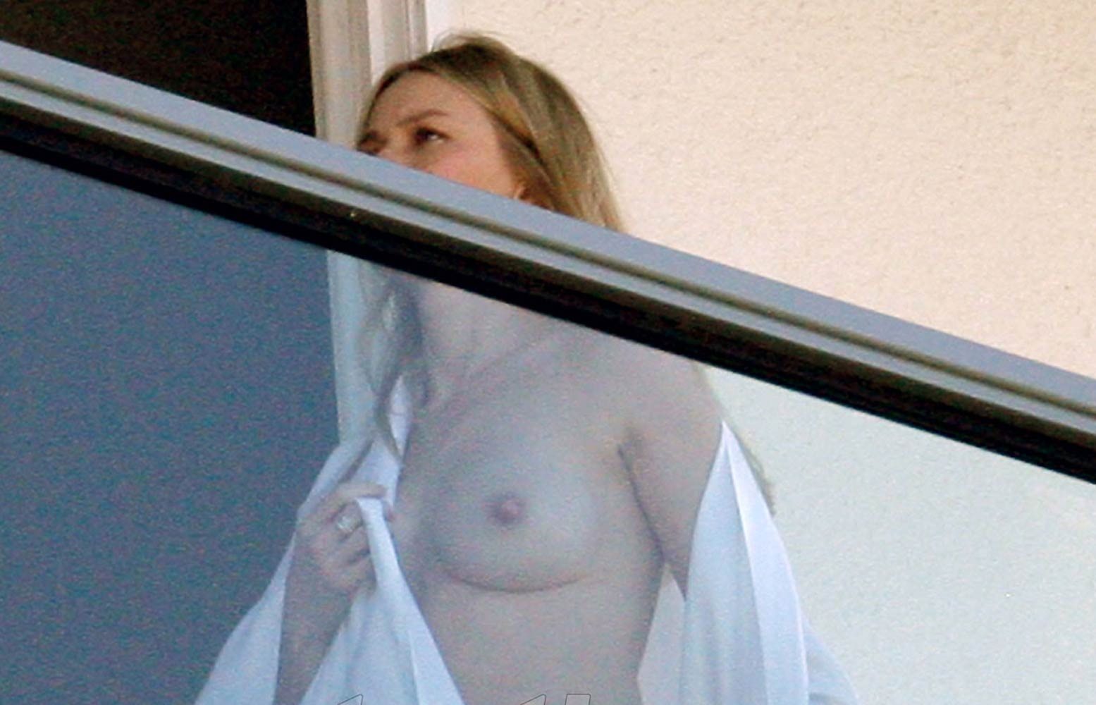 Naomi watts breasts apologise, but