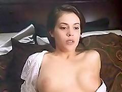 http://www.celebritymoviezone.com/alyssa-milano-tits/