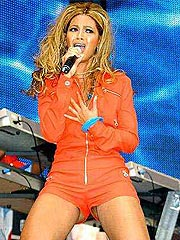 Beyonce Knowles upskirt of pussy and nipple slip