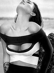 Megan Fox nice big boobs after swimming