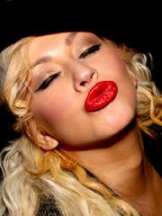 Christina Aguilera Flashes Pussy