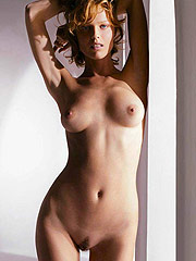 Eva Herzigova showing extremely hot nude boobs