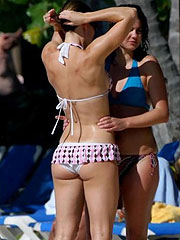 Jessica Biel great ass in thongs and cameltoe