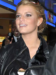 Jessica Simpson is what flatters a woman