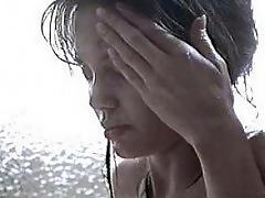 http://www.celebritymoviezone.com/angelina_jolie_shower/fp.h...
