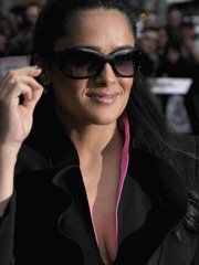Salma Hayek brings boobs to letterman