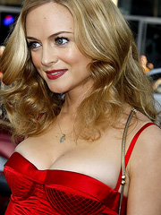 Heather Graham big breasts dont hangover