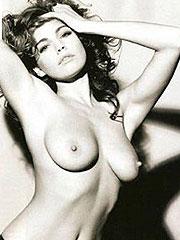 Kelly Brook showing her wonderful big nude boobs