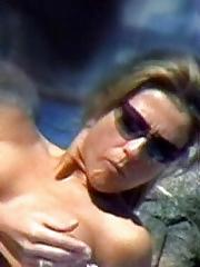 Jennifer Aniston topless on the beach