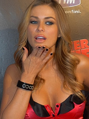 Carmen Electra exposing perfect cleavage