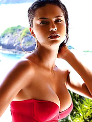 Adriana Lima is married and even hotter