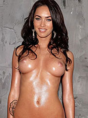 Megan Fox exposed body and great shaved pussy