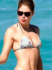 Doutzen Kroes bikini in south beach