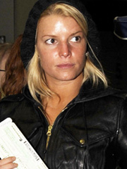 Jessica Simpson has bad tanning habits