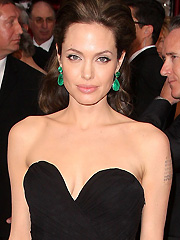 Angelina Jolie looks sexy in black dress