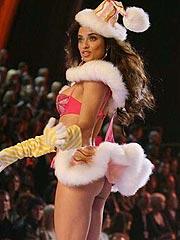 Adriana Lima magical nude ass and posing