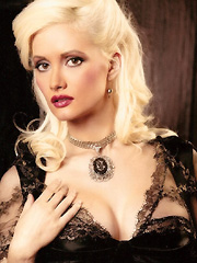 Holly Madison in non nude photoshoot