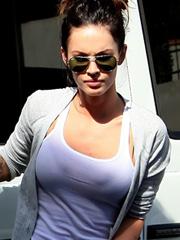 Megan Fox looking so hot in short shorts