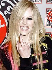 Avril Lavigne bikini shots on beach