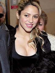 Shakira boobs have grown after pregnancy