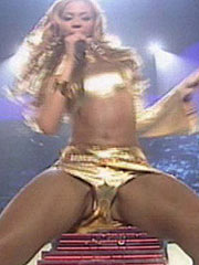 Beyonce Knowles and her nice cleavage and ass