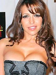 Vida Guerra looked hot for her birthday