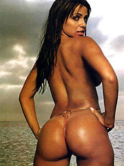 Vida Guerra showing nude luscious mega round ass