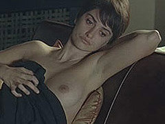 Penelope Cruz uncovering breasts for fully nudity