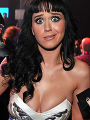 Katy Perry boobs deserve a grammy award