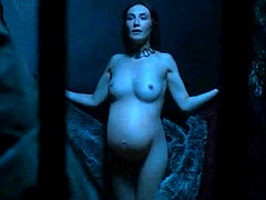 Carice van Houten gets naked while pregnant