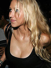 Anna Kournikova topless plus fantastic ass