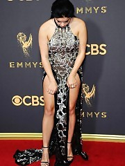 Ariel Winter showed too much skin at emmy awards