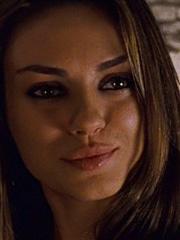 Mila Kunis lesbian kisses Natalie Portman
