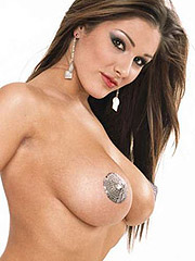 Lucy Pinder showing her juicy big boobs