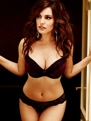 Kelly Brook epic curves in a sexy lingerie