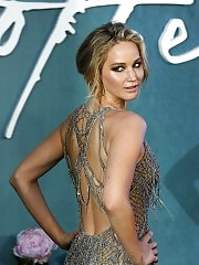 Jennifer Lawrence sexy at uk premiere