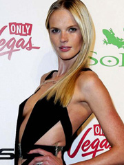 Anne Vyalitsyna sideboob supermodel cleavage