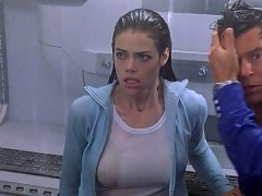 Denise Richards Hard Nipples in 'The World Is Not Enough�...