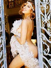Eva Mendes showing amazing latina bare ass