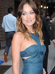 Olivia Wilde sexy appearance in hot blue dress