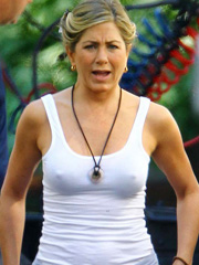 Jennifer Aniston flashes pokies on the set