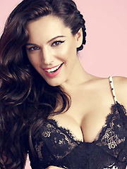 Kelly Brook busts in hot lingerie photoshoot