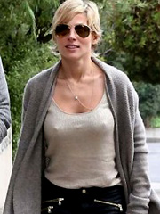 Elsa Pataky flashes off her chilly nipples