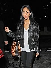 Nicole Scherzinger sexy body in black pants