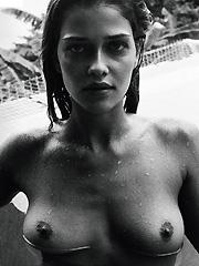 Ana Beatriz Barros damn hot in bikini