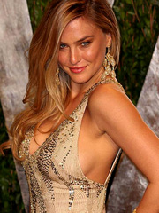 Bar Refaeli busting out some classy sideboob