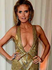 Heidi Klum big cleavage steals the show